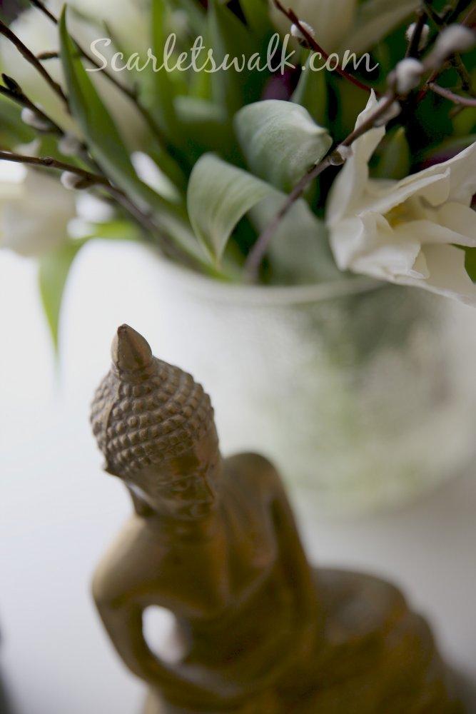 buddha mielenrauhaa meditaatio